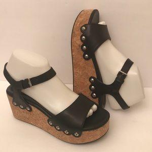 Bussola Leather Wedges